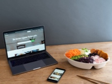 Reusable lunchbox, smartphone, and laptop